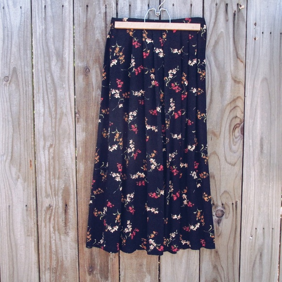 Southern Lady Dresses & Skirts - 💎Floral Maxi Skirt💎 3 for $30